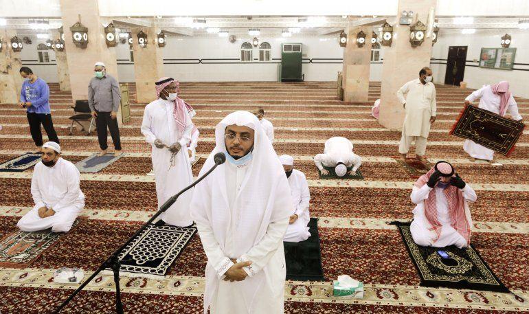 Reabren las mezquitas de Arabia Saudí y Jerusalén