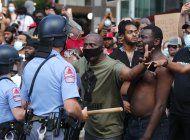 danan monumentos confederados en protestas a favor de floyd
