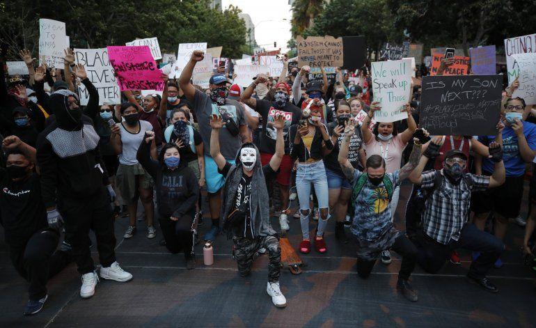 EEUU: Prevén repunte de contagios por protestas masivas