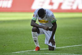jugadores piden justicia para george floyd en alemania