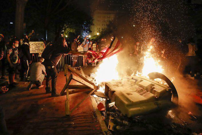 Trump amenaza con usar fuerza militar contra manifestantes