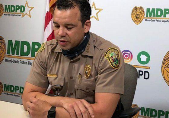 Jefe de la policía del condado Miami-Dade propone mantener el toque de queda por el resto de la semana