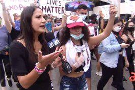 por cuarto dia consecutivo cientos de personas salen a protestar a las calles del downtown de miami