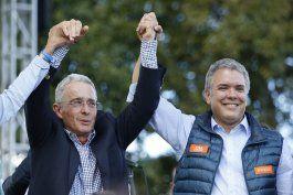 colombia abre indagacion a expresidente uribe por espionaje