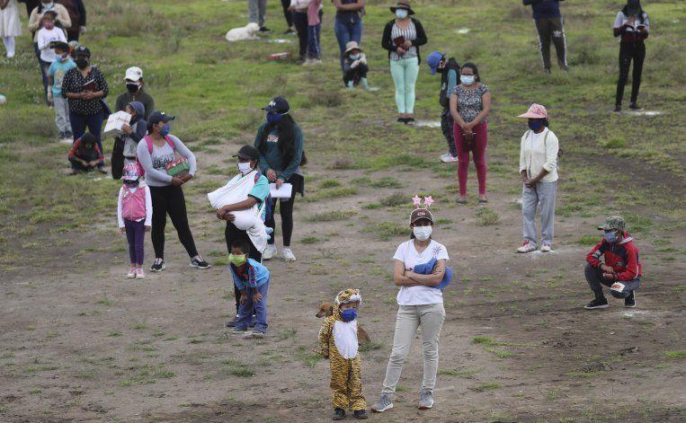 Quito retoma actividad tras largo confinamiento por COVID-19