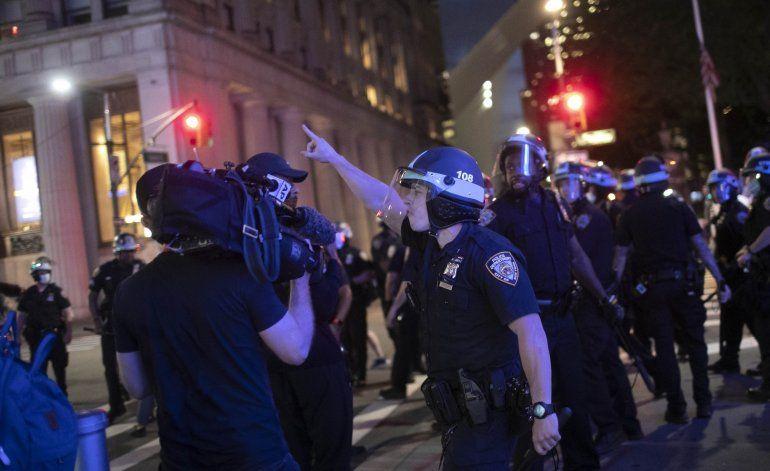 EEUU: Periodistas incoan demanda por agresiones policiales
