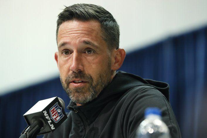 Shanahan elogia a Kaepernick por su protesta en 2016