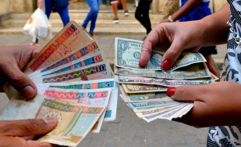 En peligro remesas a Cuba tras sanción a empresa Fincimex