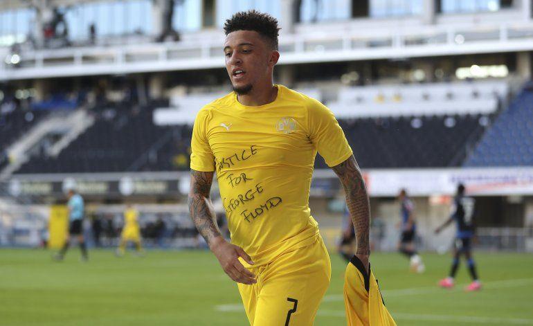 Jugadores del Dortmund, multados por corte de cabello