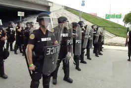 adelantan el toque de queda en miami en el dia de la protesta mas multitudinaria
