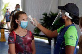 covid-19 en florida: baja la cifra de muertes y de infecciones