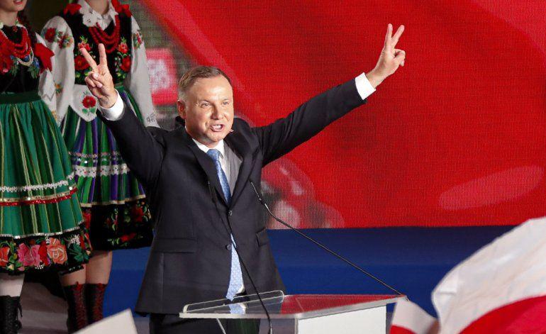 Presidente de Polonia irá a 2da vuelta de las presidenciales