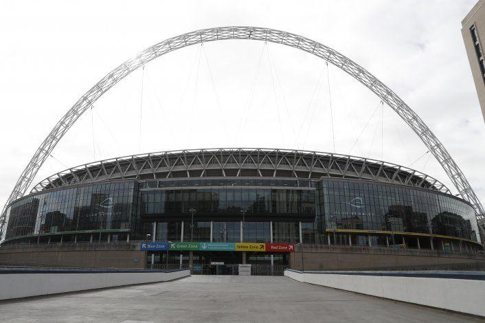 Asociación de Fútbol Inglesa despide a otros 82 empleados
