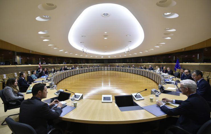 Unión Europea y Reino Unido reanudan negociaciones Brexit