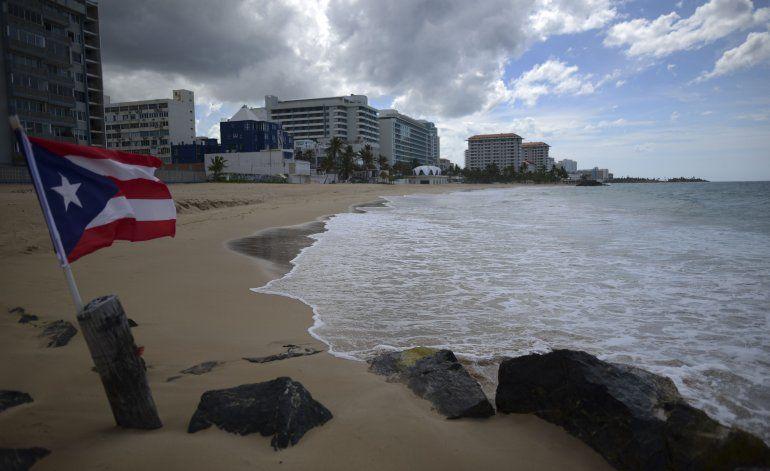 Puerto Rico extiende toque de queda por coronavirus