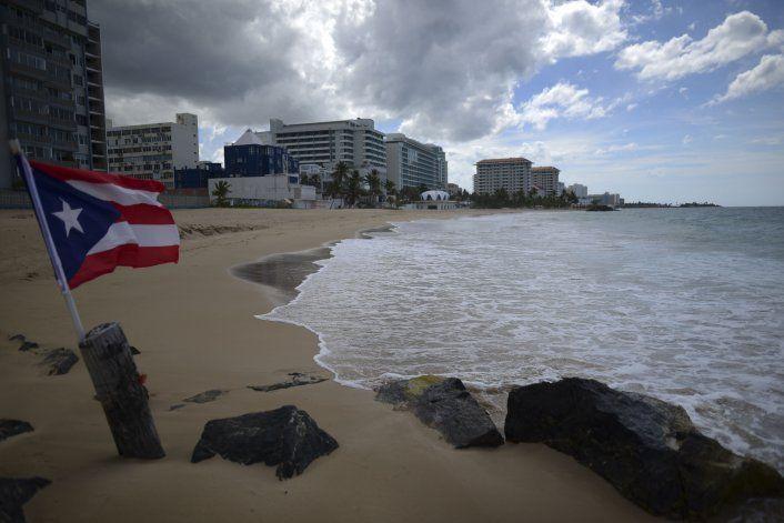 La tormenta Isaías golpea Puerto Rico con viento y lluvia