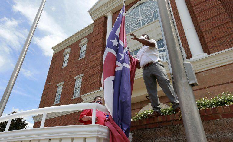 Pierde fuerza bandera de guerra de la Confederación en EEUU