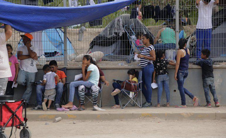 Reportan COVID-19 en campamento migrante en norte de México