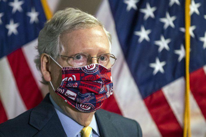 Salvo Trump, republicanos empiezan a recomendar mascarillas