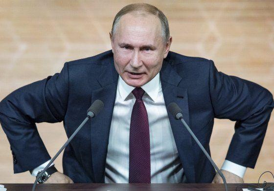 Electores rusos aprueban que Putin aspire a dos períodos más