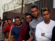 esperanza para migrantes en busca de asilo en estados unidos, juez federal revierte orden de donald trump