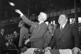 sopesan retirar nombre de trofeo a mvp en beisbol