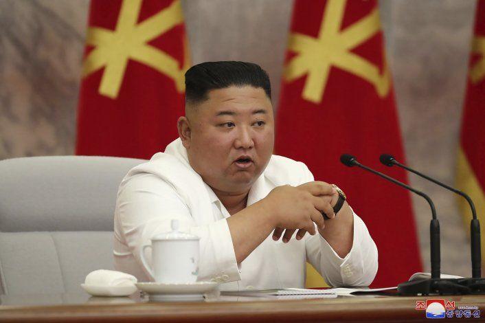 Kim insta a norcoreanos a seguir luchando contra coronavirus