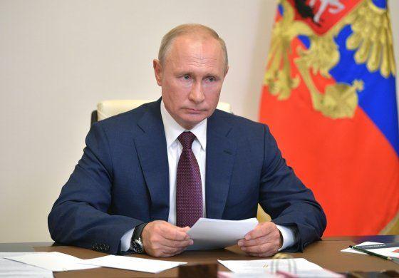 Putin ordena enmiendas que extienden su período de gobierno