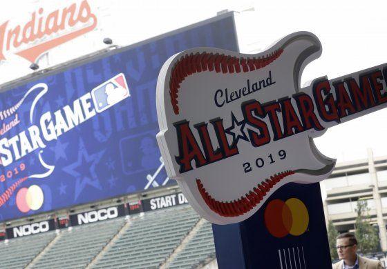 Indios de Cleveland examinan cambiar de nombre
