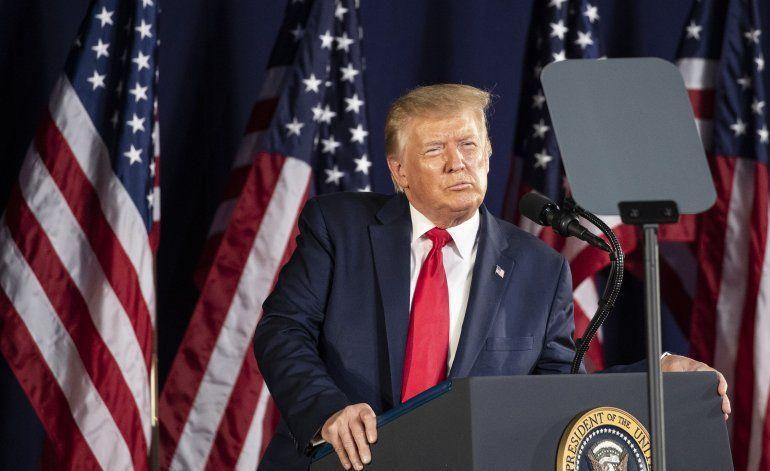 Trump propone jardín de héroes en pleno debate de monumentos