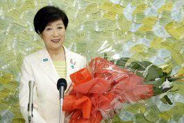 gobernadora de tokio gana eleccion gracias a manejo de virus