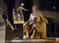 francia: piden quitar estatuas de comerciantes de esclavos