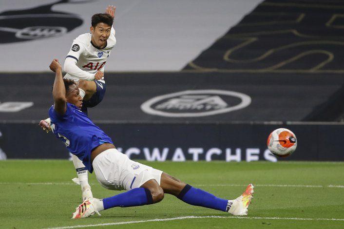 Lloris y Son se encaran, Tottenham vence 1-0 a Everton