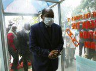 zimbabue despide al ministro de salud por contratos ilegales