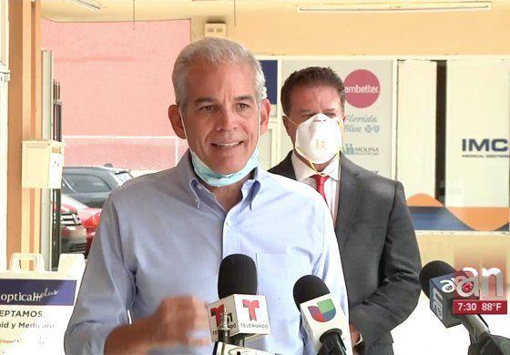 Carlos Hernández, anunció su apoyo a Alex Penelas para alcalde de Miami-Dade