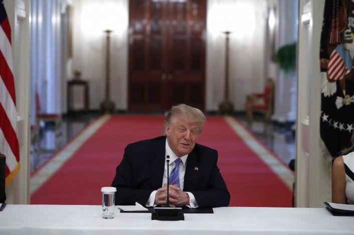 Trump aviva tensiones raciales para motivar a votantes