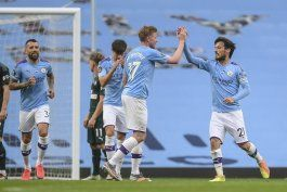 wolves resienten larga campana; liverpool y city ganan