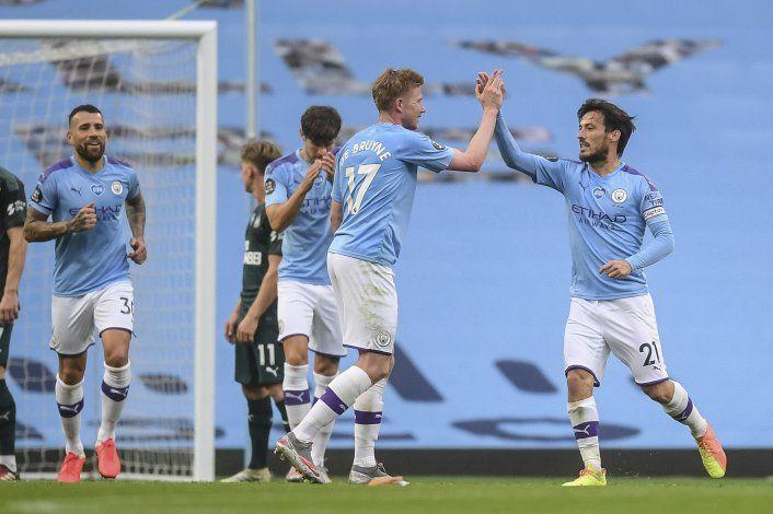 Wolves resienten larga campaña; Liverpool y City ganan