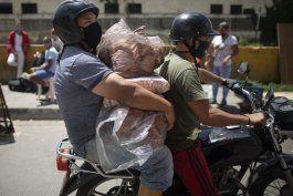 el gobierno extiende un mes la cuarentena en venezuela