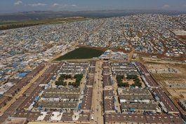 onu: mueren 700 en campamentos sirios para familias del ei