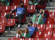 real madrid acaricia el titulo tras vencer 2-1 al granada