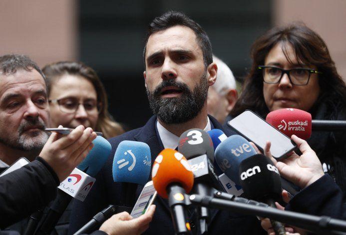 Dirigente catalán exige investigar denuncias de espionaje