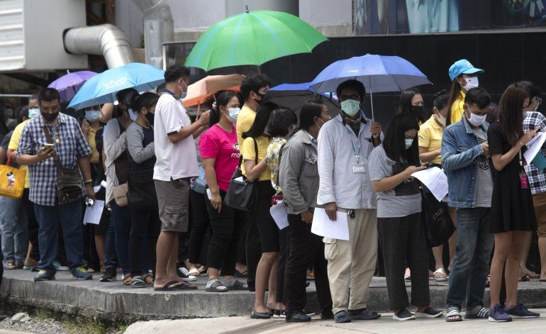 Tailandia: cuarentena a 1.900 personas por 2 contagiados