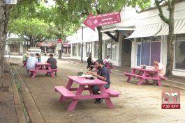extienden permiso para que restaurantes puedan servir en calle y aceras