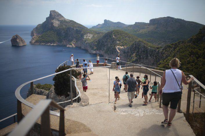 Rama turística española, golpeada por prohibición británica