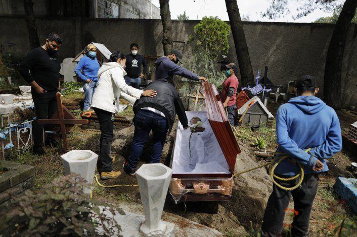 Comercios mexicanos batallan durante pandemia con poca ayuda