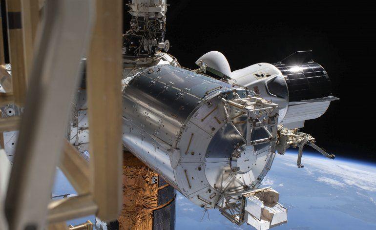 Astronautas se alistan para volver a casa en nave de SpaceX