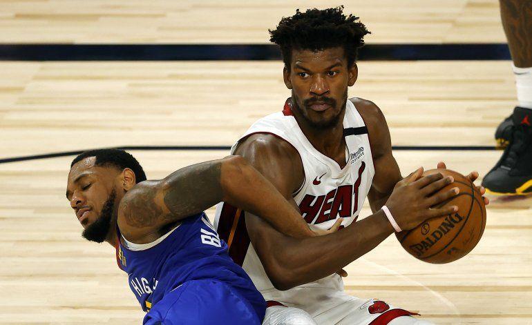 Butler y Adebayo comandan tiunfo del Heat sobre Nuggets