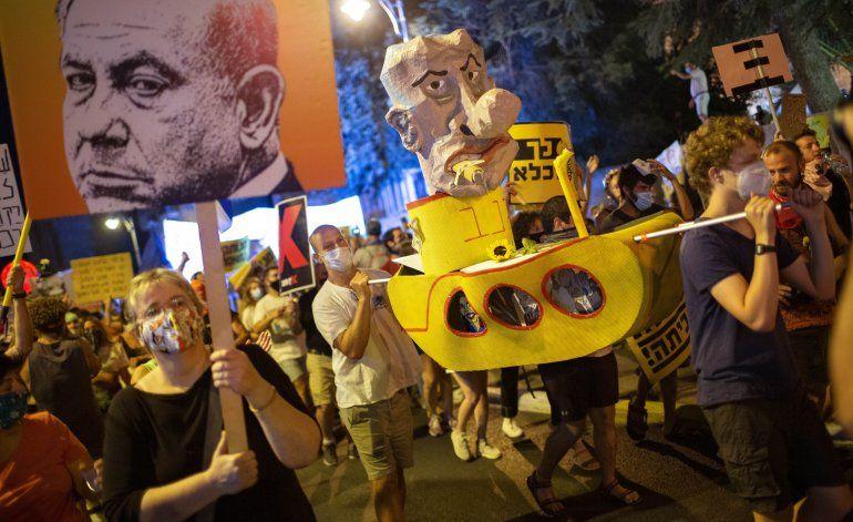 Netanyahu critica a los medios por protestas en su contra
