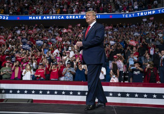 Trump trata de calmar a republicanos ante sombrío panorama